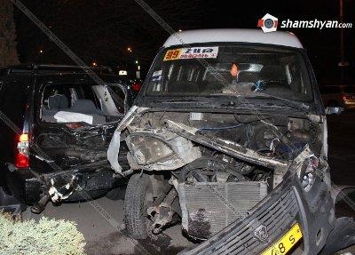 99 համարի երթուղայինի մասնակցությամբ վթար Երևանում. կան վիրավորներ (ֆոտո)