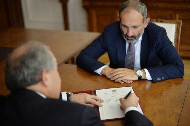 Որքան հնարավոր է շուտ ձևավորեք կառավարությունը. Արմեն Սարգսյանը հանդիպել է Նիկոլ Փաշինյանի հետ (Ֆոտո)