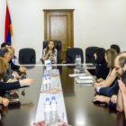 Մասնագետները մշակույթի նախարարին ներկայացրել են Հայաստանում կինոյի զարգացման իրենց տեսլականը
