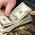 Դոլարի փոխարժեքը նվազել է, եվրոյինը՝ աճել