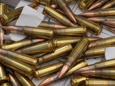 Ավտոտնակում հայտնաբերել է զենք-զինամթերք ու հանձնել ոստիկաններին
