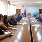 ՏԶՆ նախարար Արծվիկ Մինասյանը և ՀՀ-ում ՌԴ դեսպանը քննարկել են ԵԱՏՄ շրջանակում առևտրաշրջանառությանը վերաբերող հարցեր