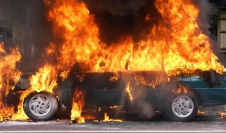 Գորիս-Խնձորեսկ ճանապարհին մեքենա է այրվել