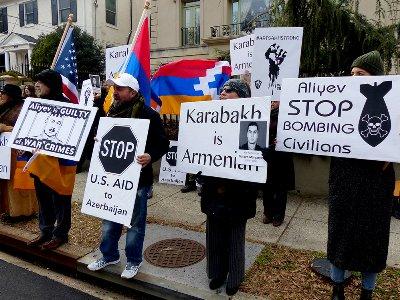 ԱՄՆ-ում հայ երիտասարդները բողոքի ակցիա են անցկացրել Ադրբեջանի դեսպանատան մոտ