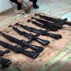 Մեծ քանակությամբ ապօրինի պահվող զենք-զինամթերք է հանձնվել ոստիկանության Քանաքեռ-Զեյթունի բաժին