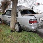 Երեւանում. 36-ամյա վարորդը ոչ սթափ վիճակում Mercedes-ով բախվել է հաստաբուն ծառերին