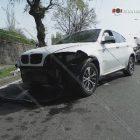 Իսակովի պողոտայում BMW X6-ը բախվել է պատնեշին. բետոնային հատվածը շպրտվել ու բախվել է Opel Zafira-ին. կա վիրավոր