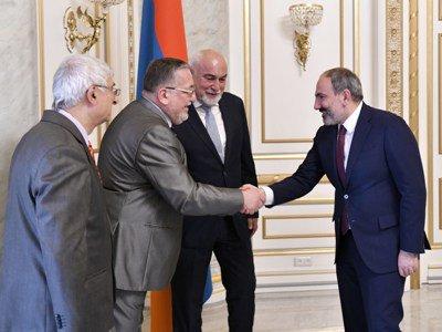 Վարչապետն ընդունել է Ռումինիայի հայ համայնքի ներկայացուցիչներին