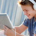 Ականջակալները վնասում են երեխաների լսողությունը