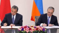 Հայաստանի եւ Չինաստանի ԱԳ նախարարները ստորագրեցին ազատ վիզայի ռեժիմի մասին համաձայնագիրը