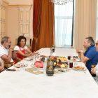 Վարչապետն ու իր տիկինը հյուրընկալել են աշխարհահռչակ դիրիժոր Փեհլիվանյանին և ՌԴ ժողովրդական արտիստ Իսահակյանին