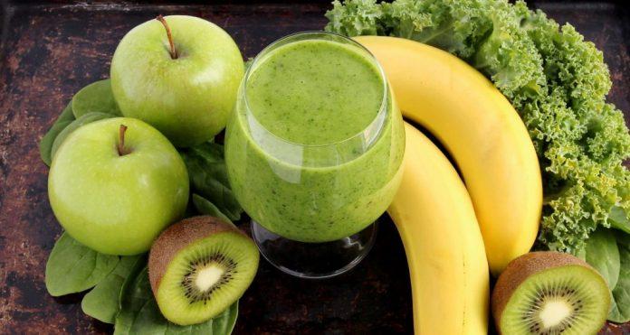 Խնձորով և կանաչ թեյով սմուզի