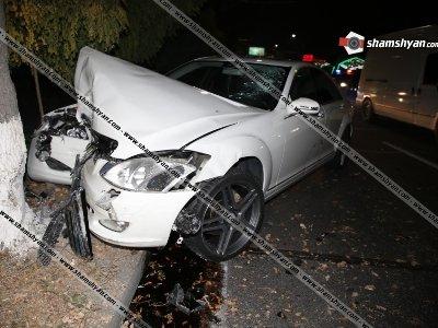 Խոշոր վթար Իսակովի պողոտայում. բախումից հետո 2 Mercedes-ները հարվածել են ծառերին. կա վիրավոր