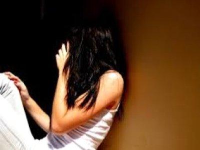 42-ամյա մայրը 15-ամյա աղջկան ծեծի է ենթարկել, դանակի սպառնալիքի տակ ստիպել, որ նա մարմնավաճառությամբ զբաղվի