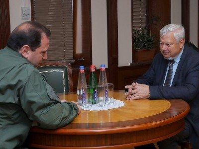 Դավիթ Տոնոյանն ընդունել է ԵԱՀԿ գործող նախագահի անձնական ներկայացուցիչ, դեսպան Անջեյ Կասպրշիկին