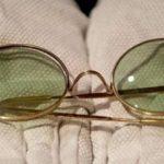 Ջոն Լենոնի կլոր արեւային ակնոցները վաճառվել են աճուրդում