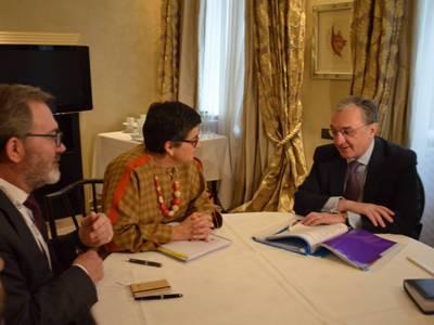 Զոհրաբ Մնացականյանը հանդիպել է Իսպանիայի արտաքին գործերի, Եվրոպական Միության և համագործակցության նախարարի հետ