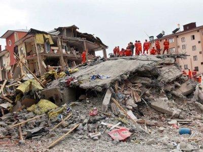 Զոհրաբ Մնացականյանը ցավակցություն է հայտնել Վանում տեղի ունեցած ավերիչ երկրաշարժի զոհերի ընտանիքներին.Մնացականյան